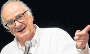 "Boaventura de Sousa Santos lança ""A Difícil Democracia"""